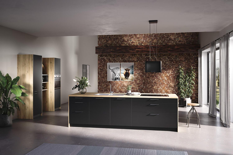 Küche in Graphit-Grau kombiniert mit Holz-Optik mit Kücheninsel