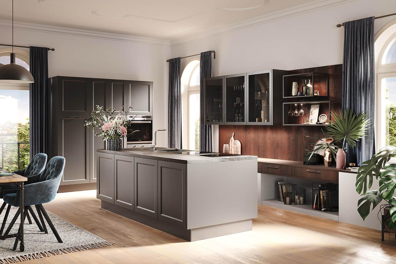 offene und moderne Landhausküche in Graphit in Kombination mit warmer Alteiche