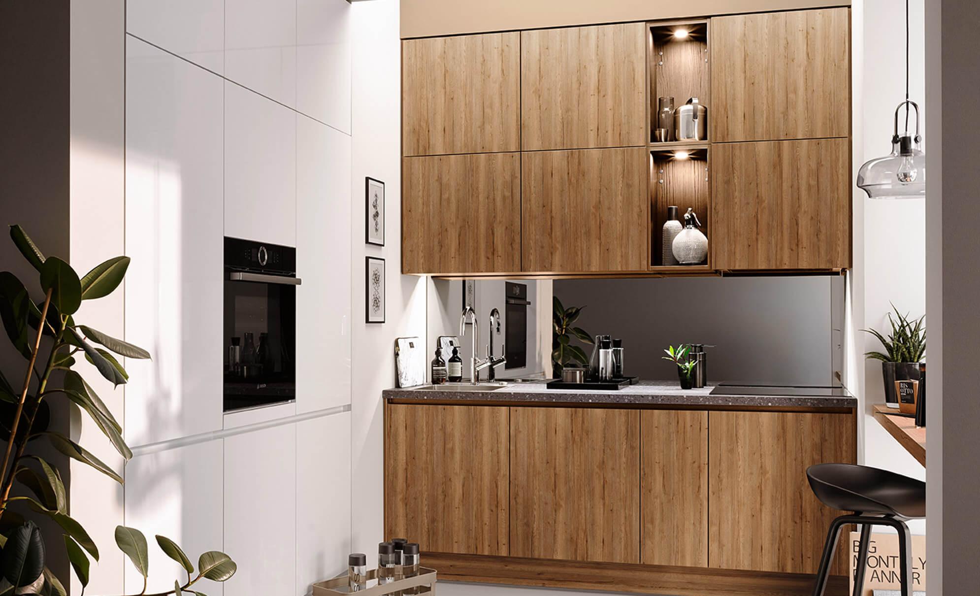 Küchenzeile grifflos in Alteiche und Weiß mit deckenhohen Oberschränken