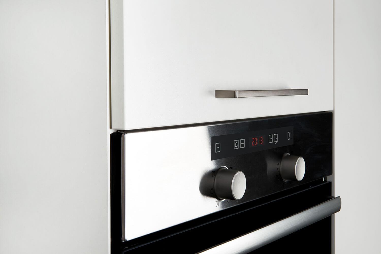 Hochschrank mit Ausgleichslifttür für Elektro-Geräte