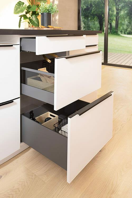Küchenschrank mit 3 Auzügen