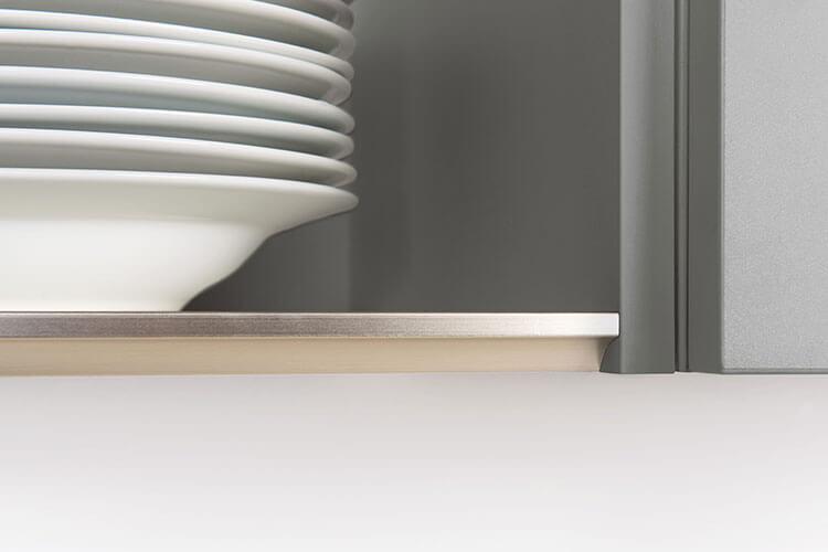 technisches Detail von grifflosen Türen